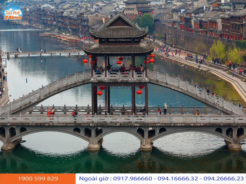 khu du lịch Phượng Hoàng cổ trấn