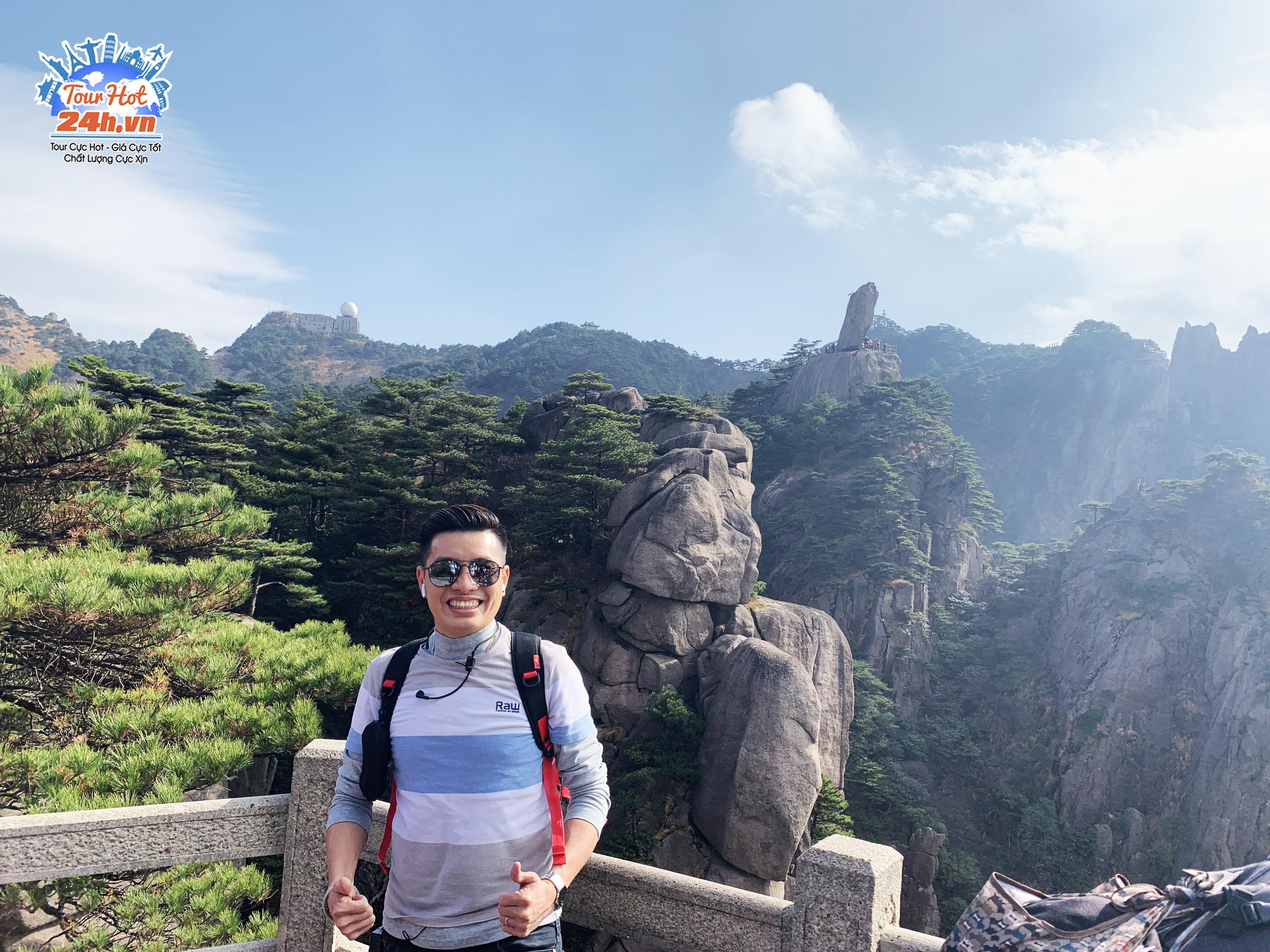 khach-hang-tour-hoang-son-bay-thang
